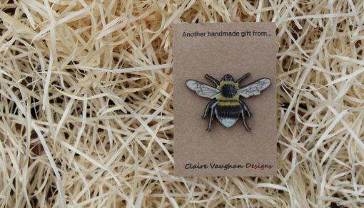 Bee wooden brooch sustainable present