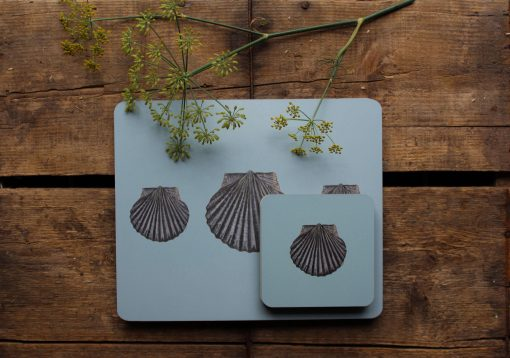 Scallop shell matching placemat and coaster set